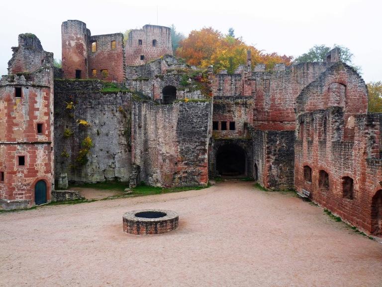 Hardenburg Schlosshof 004