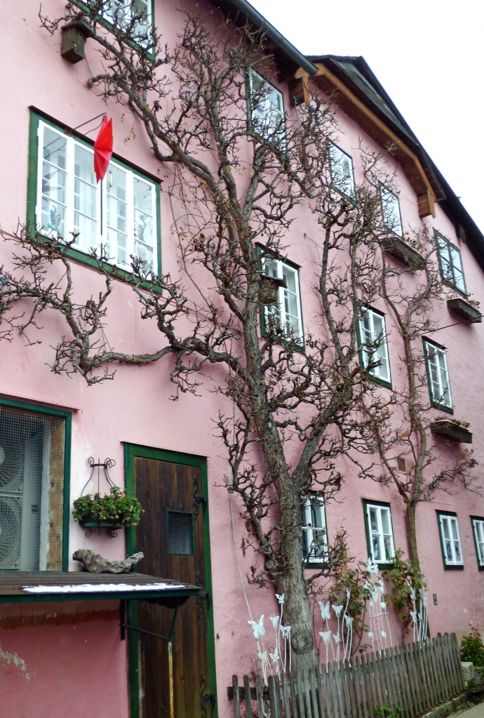 This image has an empty alt attribute; its file name is hallstatt-024.jpg